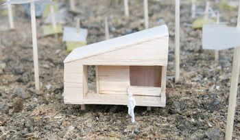 Studenter bygger minihus i økolandsby