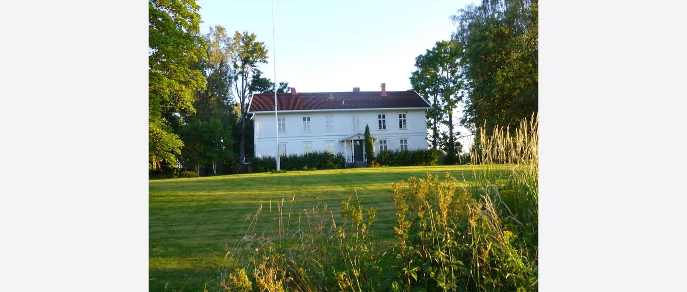 Eidsvoll prestegård sommeren 2015.