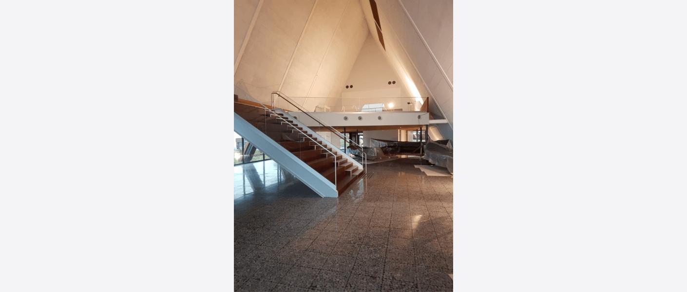 Mesanin ble utvidet for å gi bedre plass til utstilling. Foto: Egil Eide/Asplan Viak