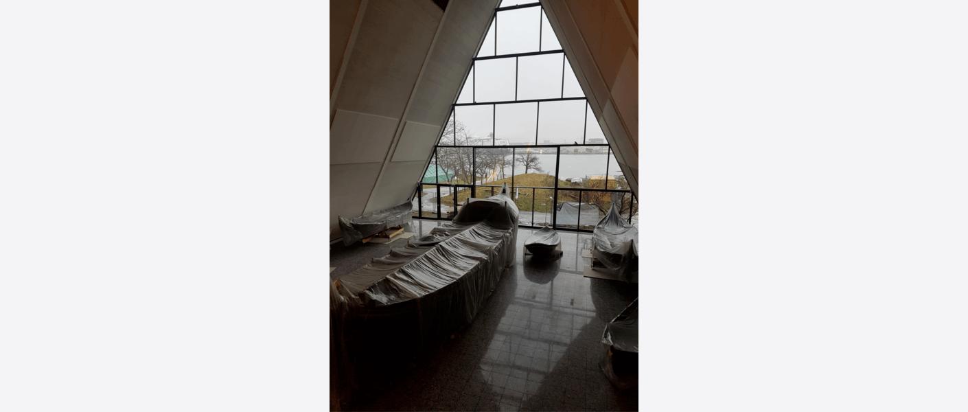 Deler av den nye utstillingen om kystkultur er på plass i båthallen. Foto: Egil Eide/Asplan Viak