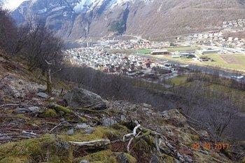 Skredfarevurdering næringsområdet Vetleseten, Høyanger kommune