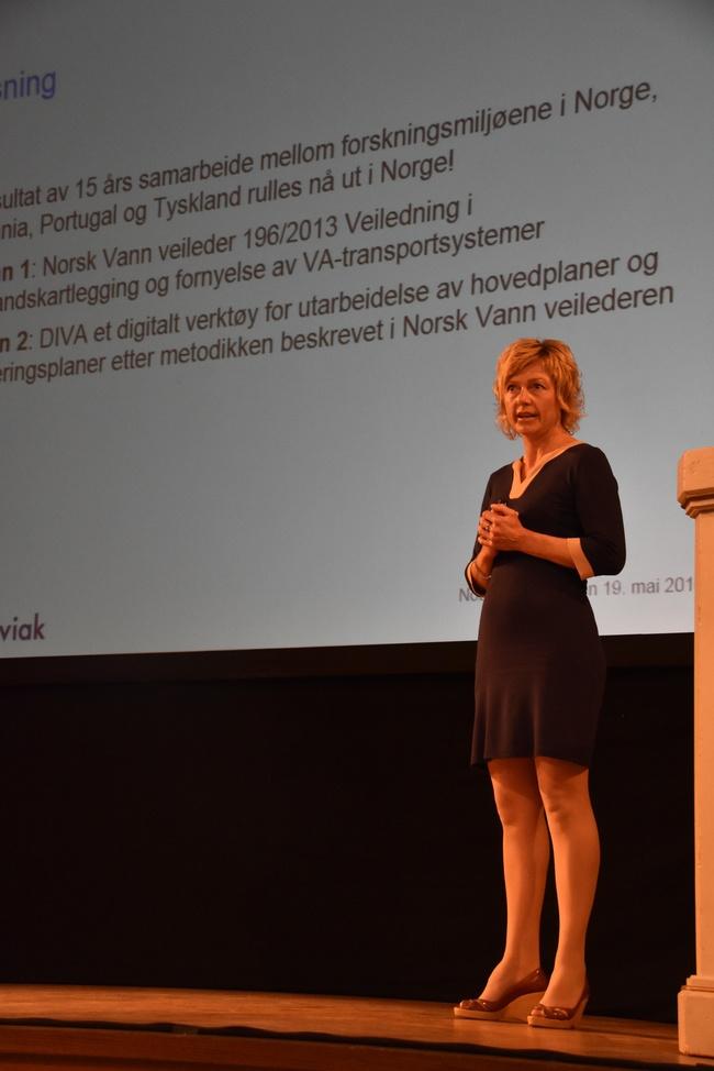 Anette Kveldsvik Desjardins på NoDig-konferansen i regi a Scandinavian Society for Trenchless Techhnology (SSTT). Foto: Odd Borgerstrand.