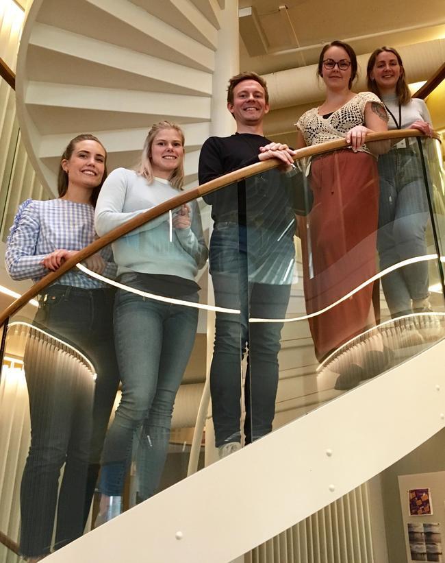 Sommerjobbstudenter ved vårt hovedkontor i Sandvika. Foto: Asplan Viak