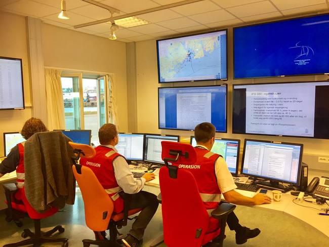 I Kystverkets aksjonssentral i Horten har personell jobbet med å håndtere scenarioet. Foto: Kystverket