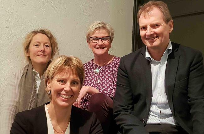 Fra venstre: Lise Eriksen (Leder Plan og Arkitektur), Randi Svånå (Konstiutert leder Bygg og Infrastruktur), Margaret Ohldieck (Leder Økonomi) og Øyvind Mork (Administrerende direktør).