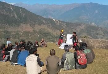 Ingeniører Uten Grenser / Ingeniører Uten Grenser på feltarbeid i Nepal med Utviklingsfondet. Foto: Ingeniører uten Grenser.