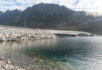 Fv. 86 Ballesvikskaret tunnel og sjøfylling over Gryllefjorden