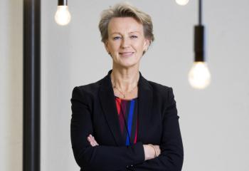 Asplan Viaks års- og bærekraftsrapport 2019 / Elisabeth Heggelund Tørstad, administrerende direktør i Asplan Viak, rapporterer heldigitalt på et godt år for selskapet. Foto: Nina Rangøy