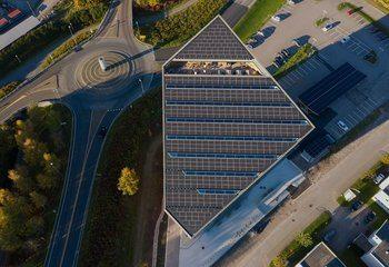 – Powerhouse Telemark: Mest energieffektive solcellepanel noensinne bygget i Norge / Powerhouse Telemark er et av ett av byggene det ifølge CNN er knyttet høyest forventing til i verden.  Foto: Ivar Kvaal